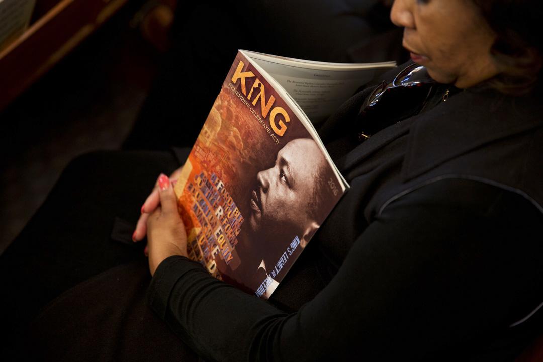 2016年1月18日,黑人在教堂上悼念馬丁·路德·金。