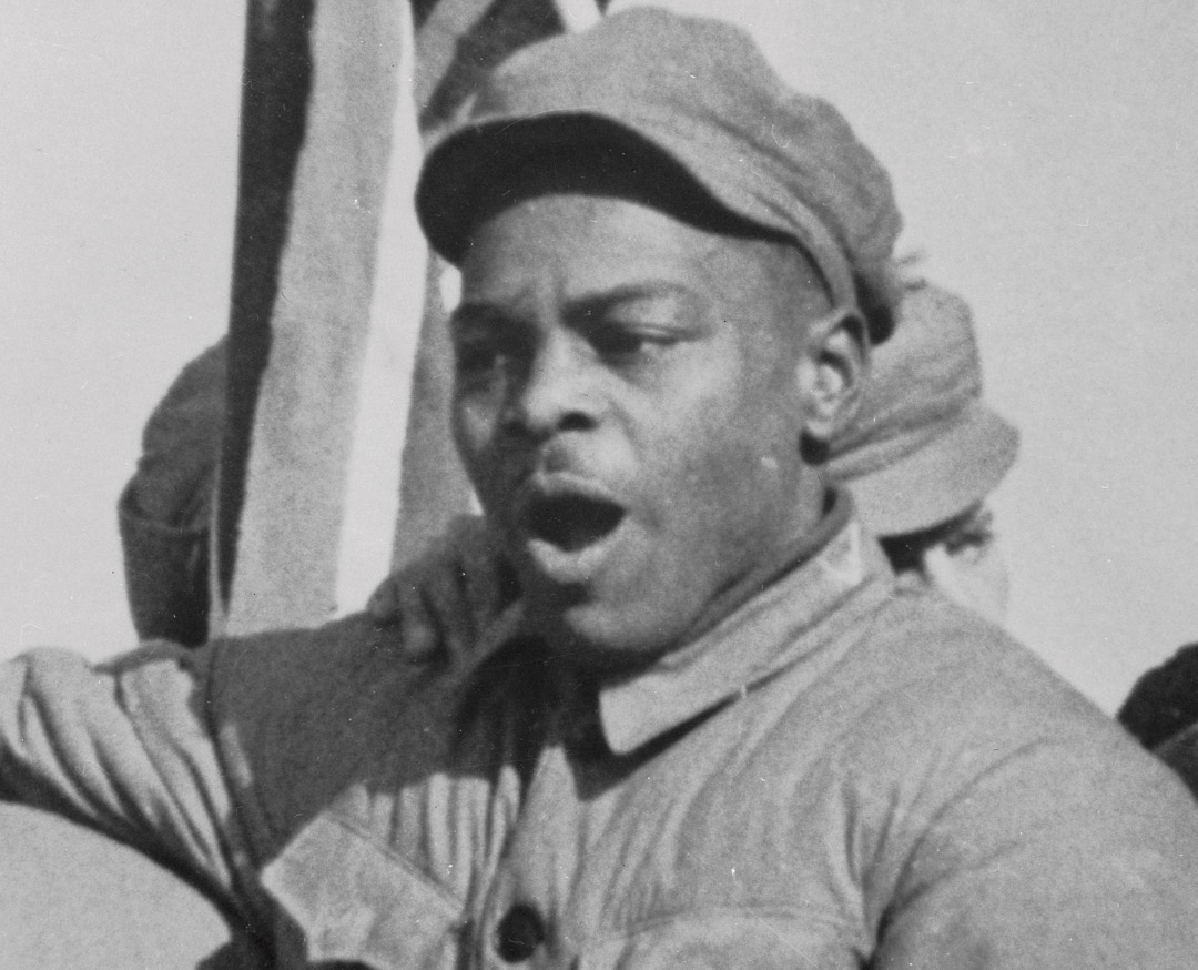被中國志願軍俘虜的美軍老兵克拉倫斯·亞當斯(Clarence Adams)。