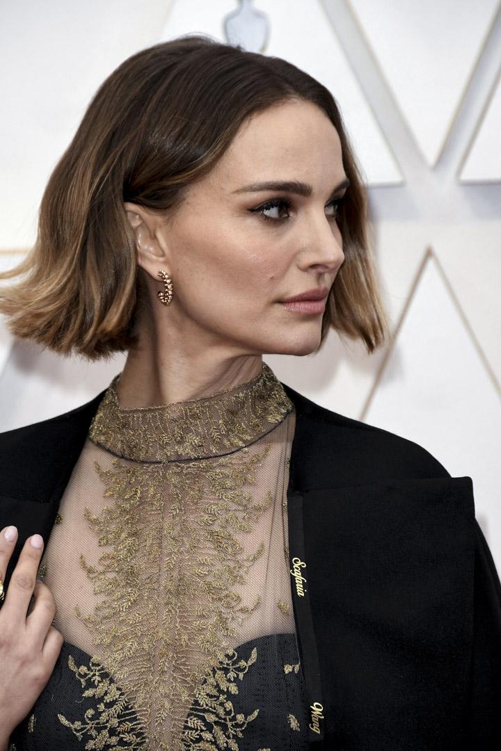 2020年2月9日,92屆奧斯卡頒獎電影上,娜塔莉.波特曼在禮服上寫有被排除在最佳導演提名名單上的女導演名字。