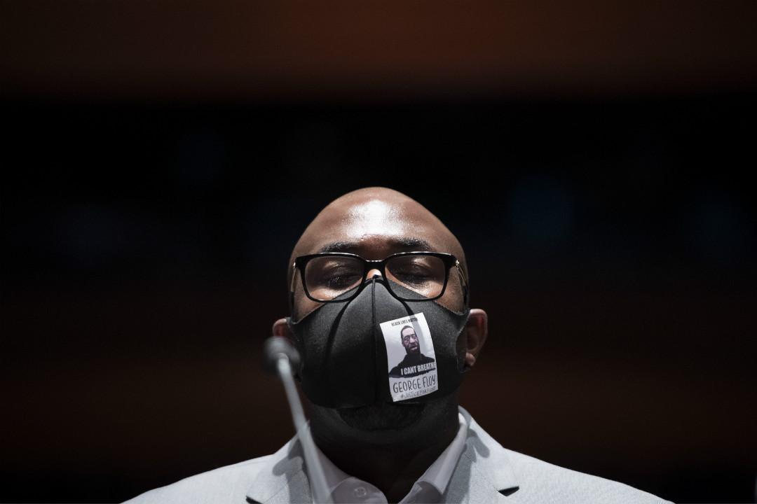 2020年6月10日,美國華盛頓特區,喬治·弗洛伊德(George Floyd)的弟弟費洛尼斯·弗洛伊德(Philonise Floyd)出席國會聽證會。 攝:Getty Images