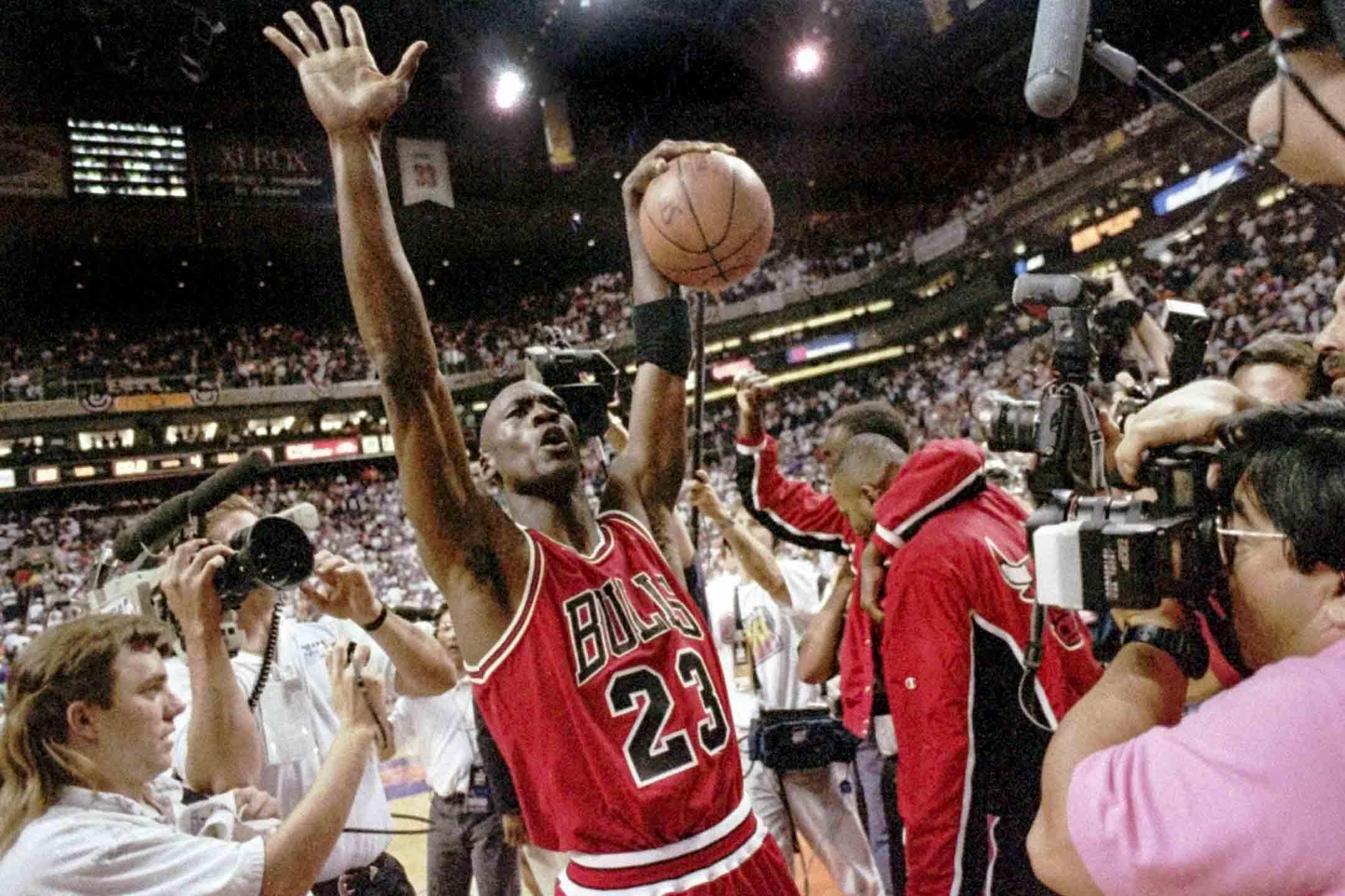 1993年6月20日,Michael Jordan領導芝加哥公牛以99-98擊敗鳳凰城太陽贏得第三個NBA總冠軍。 攝:John Swart/AP/達志影像