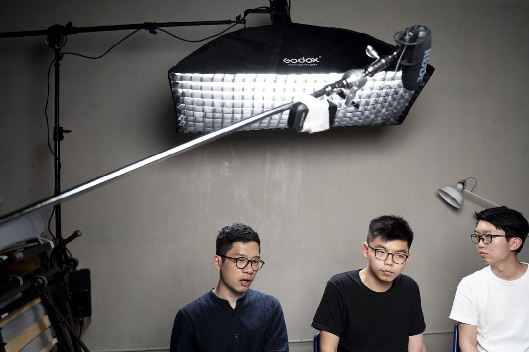 2020年5月27日,羅冠聰與黃之鋒及張崑陽在網上直播回應國安法。