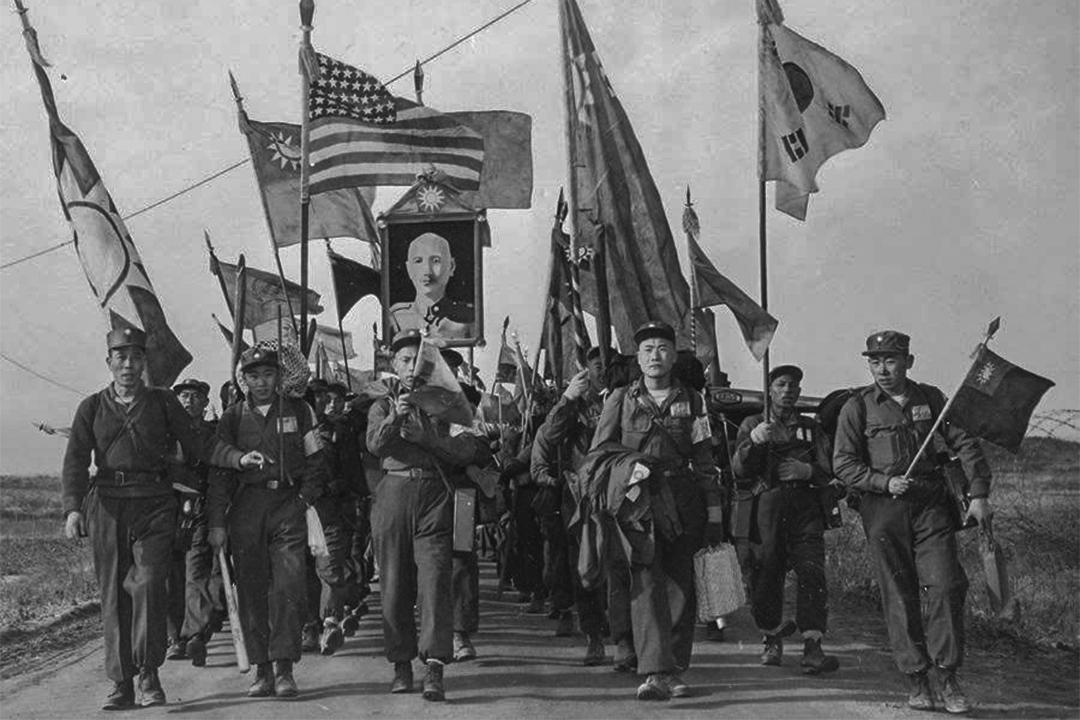 1954年1月20日,一萬四千餘名中國人民志願軍戰俘獲釋,他們走出三十八度線上中立區板門店的戰俘營,隨即被聯合國軍轉運至台灣。