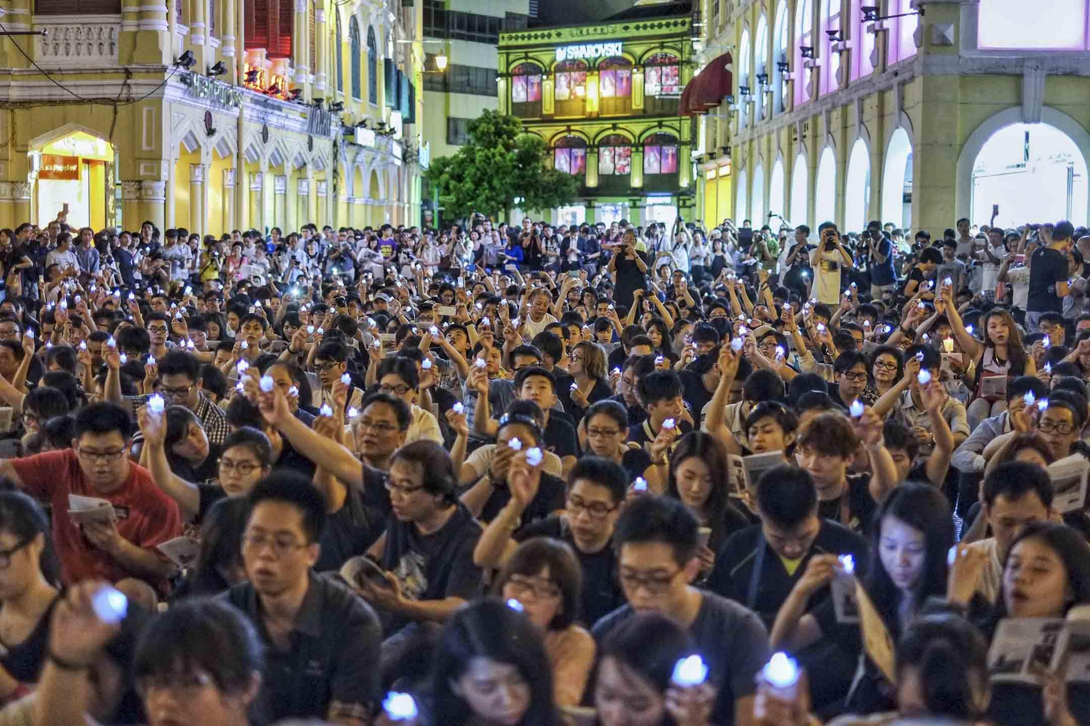 2014年6月4日,澳門議事廳前地的六四燭光晚會,參與人數達至歷年來最高,有近3000人出席。