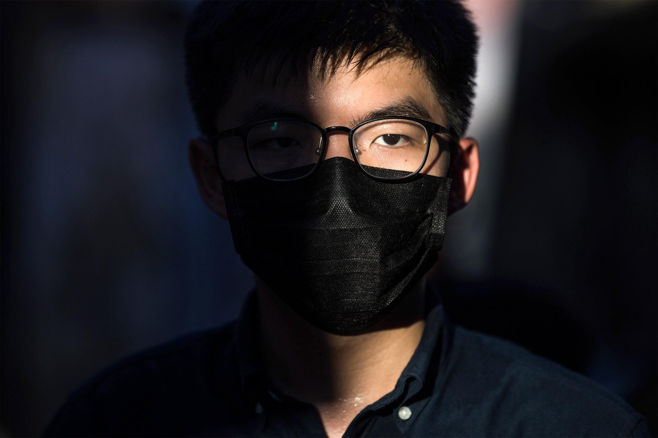 2020年6月19日,黃之鋒宣布參與民主派立法會初選,出戰九龍東直選。 攝:陳焯煇/端傳媒