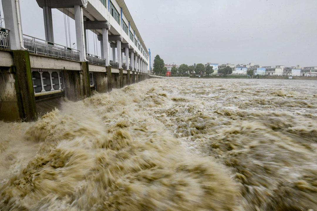 2020年7月20日,安徽阜陽,淮河幹流排洪。