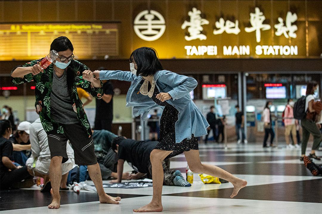 台北車站的羅馬競技生死鬥。
