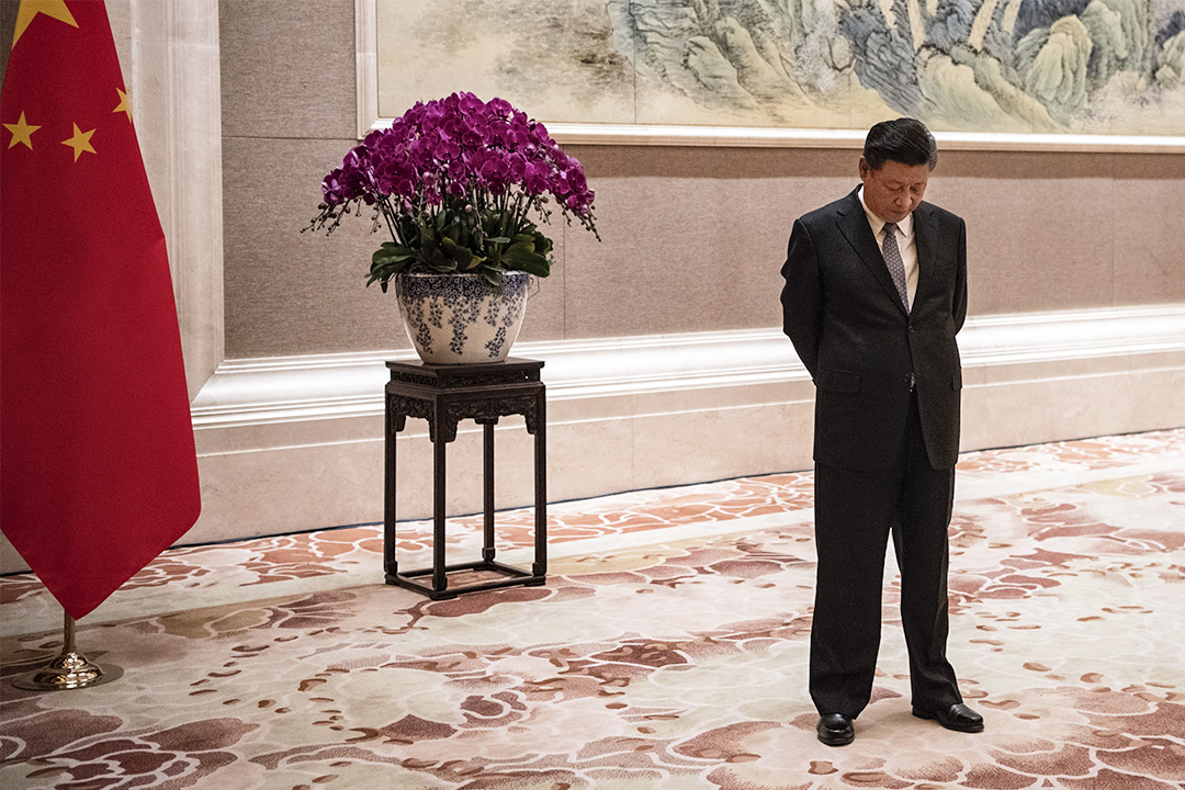 2018年6月21日北京,中國國家主席習近平在釣魚台國賓館召開會議之前,等待巴布亞新幾內亞總理彼得·奧尼爾到來。