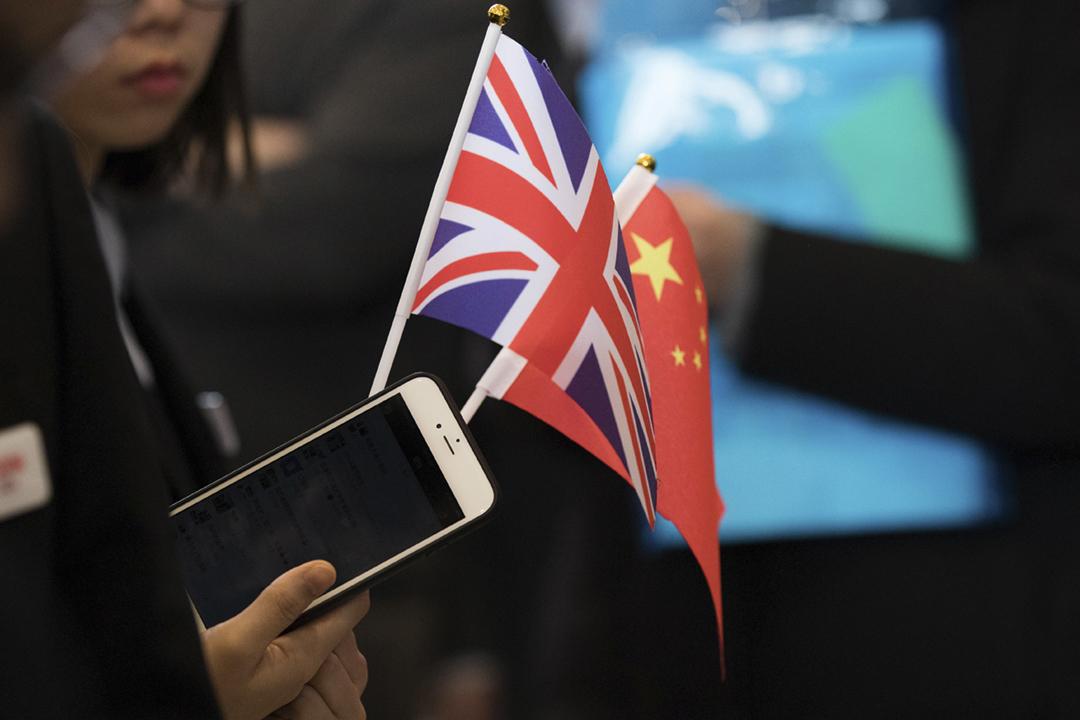 據報英國多間大學正在測試一個專門為身在中國之留學生而設的網上教學平台,平台上的課程材料會符合中國官方對境內互聯網用戶的限制,消息引發學術自由爭議。 攝:Chris Ratcliffe / Bloomberg via Getty Images