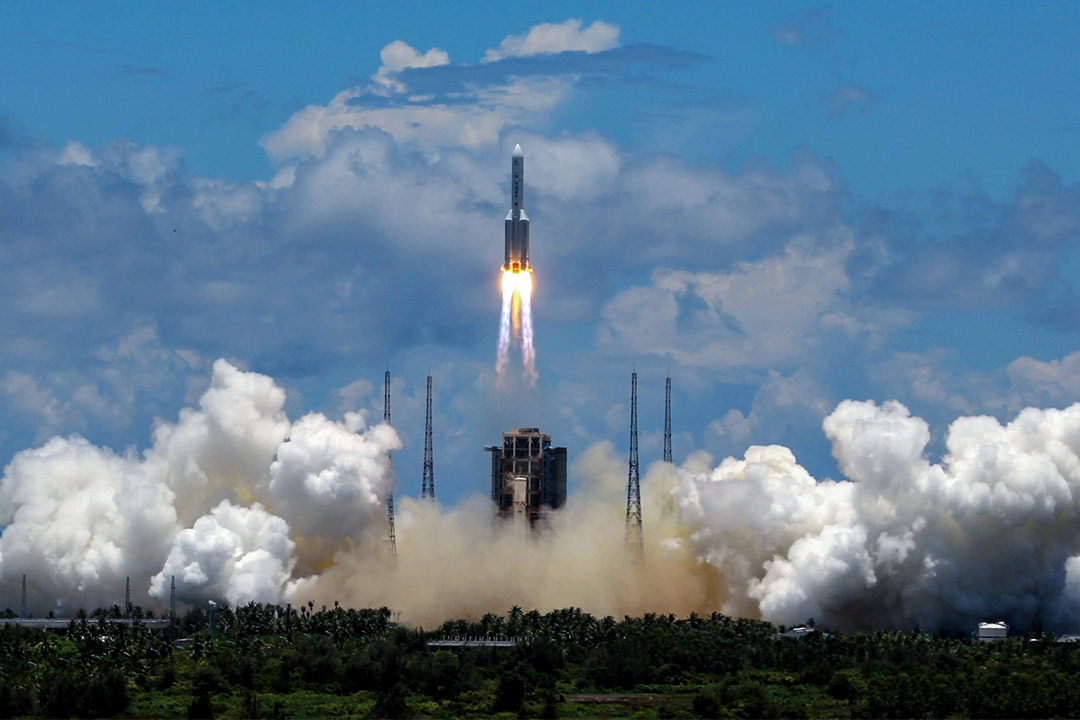 2020年7月23日中國海南省,載有天問一號的長征五號火箭從文昌航天發射場發射。 攝:Roman Balandin\TASS via Getty Images