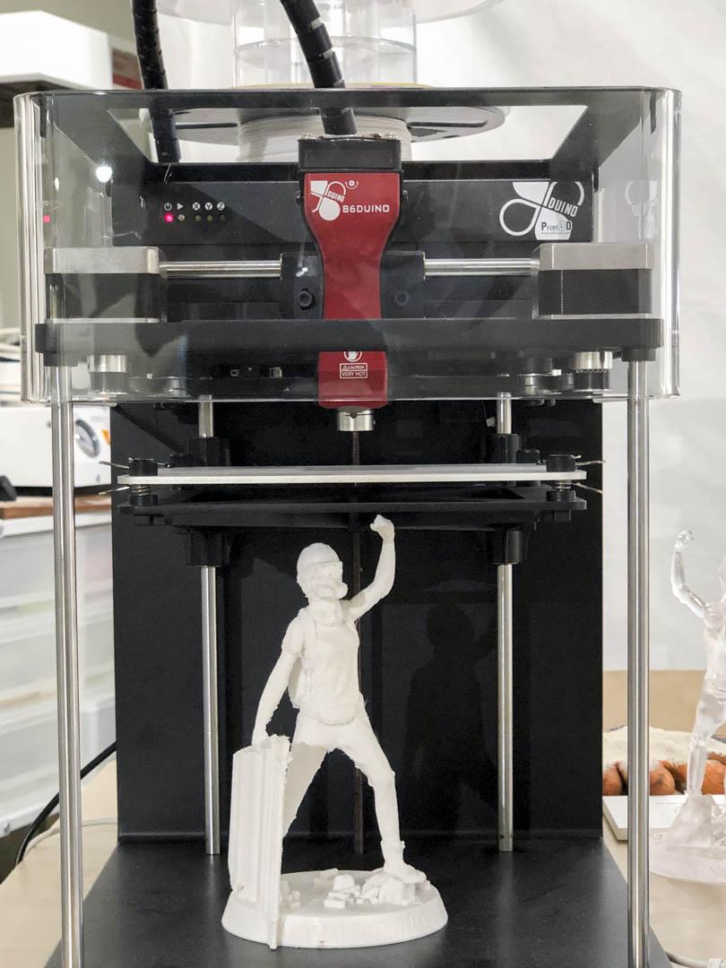 《我哋仲未__展》中展示的3D打印機。