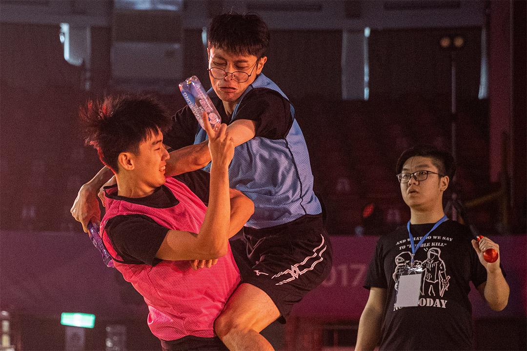 輔大羅馬競技生死鬥校內賽。 攝:張國耀/端傳媒