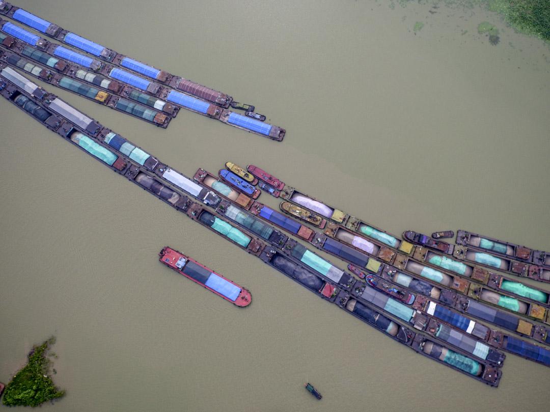 2020年7月10日,江蘇省淮安洪澤湖泄洪。
