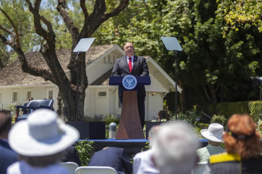2020年7月23日,美國國務卿蓬佩奧(Mike Pompeo)在加州尼克遜(Richard Nixon)總統圖書館發表對華演講。 攝:David McNew/Getty Images