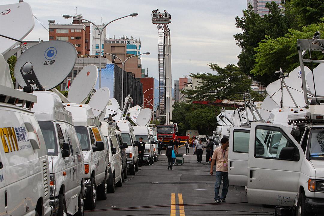 2011年10月10日,電視廣播車輛在台北總統府前採訪雙十節的慶祝活動。