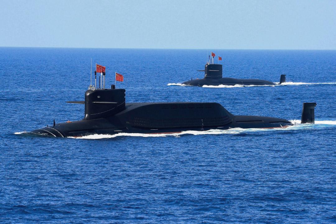 2018年4月12日,中國人民解放軍海軍的核潛艇在南中國海的一次軍事演習中。