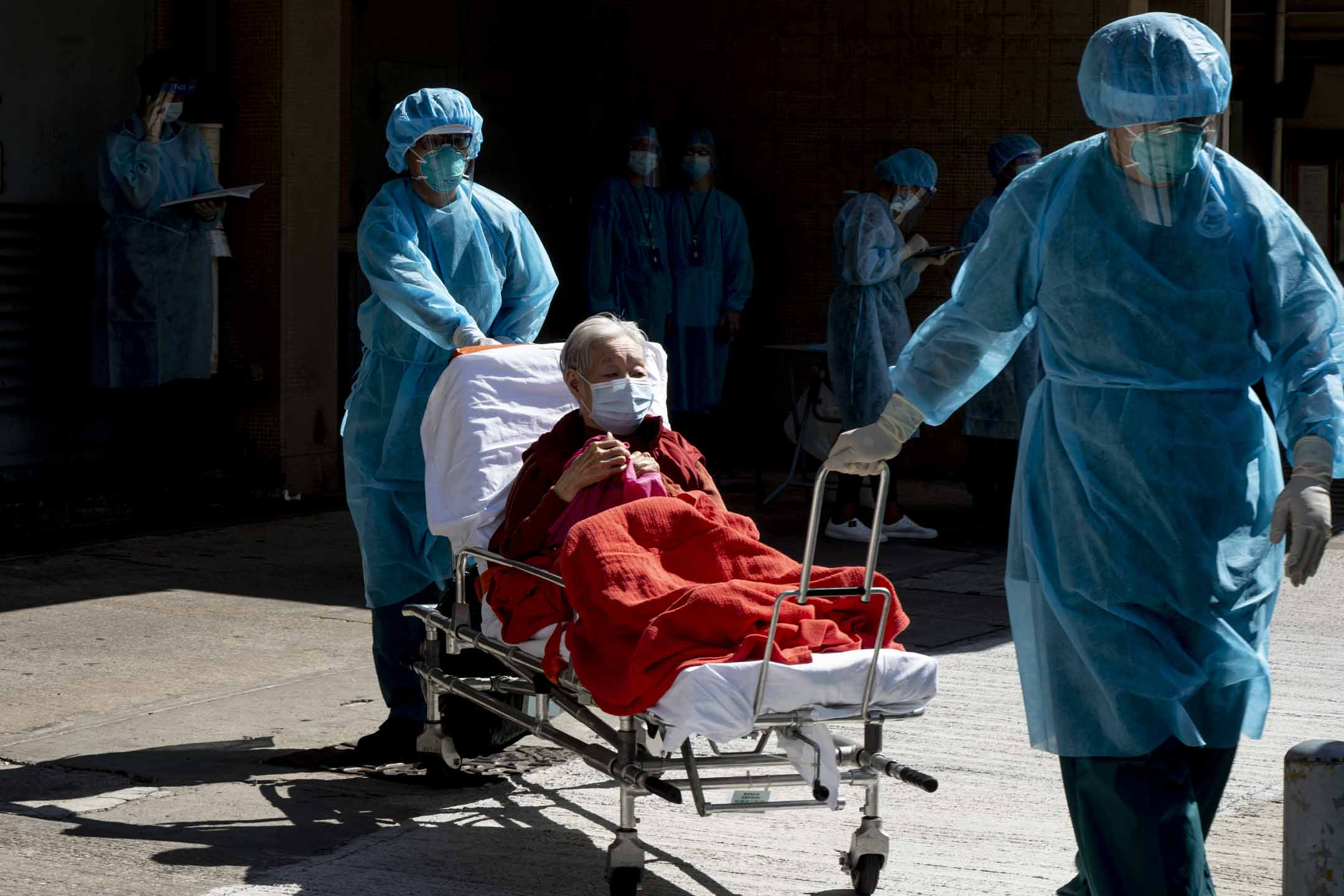 2020年7月24日,隆亨長者之家約五十名院友需要撤離送往西貢,一個老人度假中心檢疫。