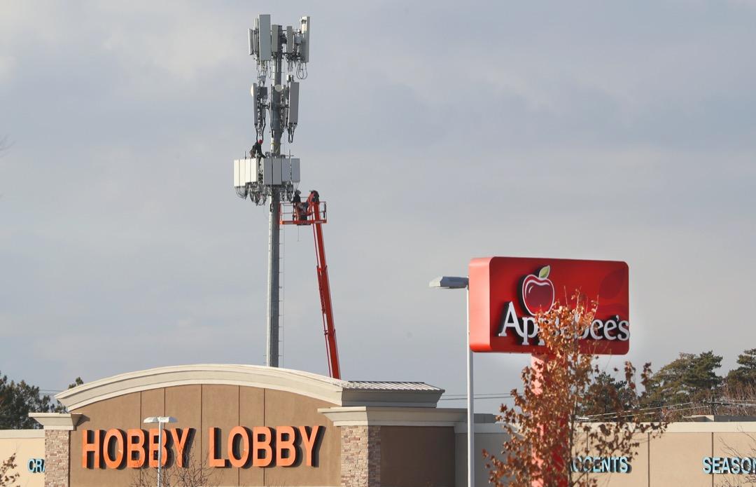 美國猶他州一座5G信號發射塔。