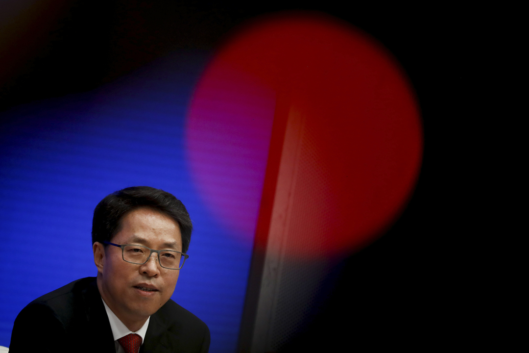 2020年7月1日,中國國務院港澳辦副主任張曉明在北京出席有關《港區國安法》的新聞發佈會。 攝:Thomas Peter / Reuters