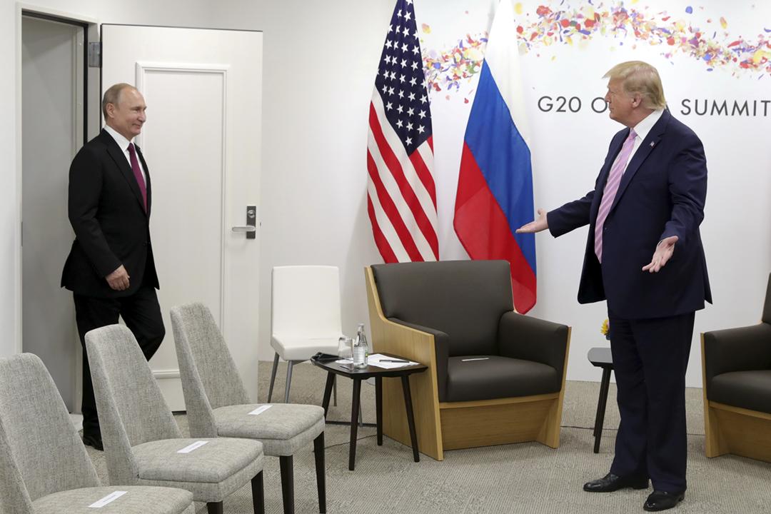 2019年6月28日在日本大阪舉行二十國集團峰會期間,美國總統特朗普與俄羅斯總統普京舉行會談。 攝:Mikhail Klimentyev / Kremlin via REUTERS
