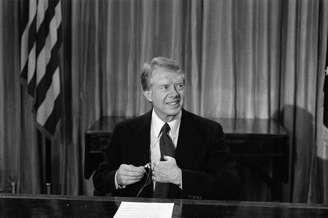 1978年12月10日星期五在華盛頓橢圓形辦公室,總統吉米·卡特(Jimmy Carter)宣布美國與台灣斷絕外交關係。