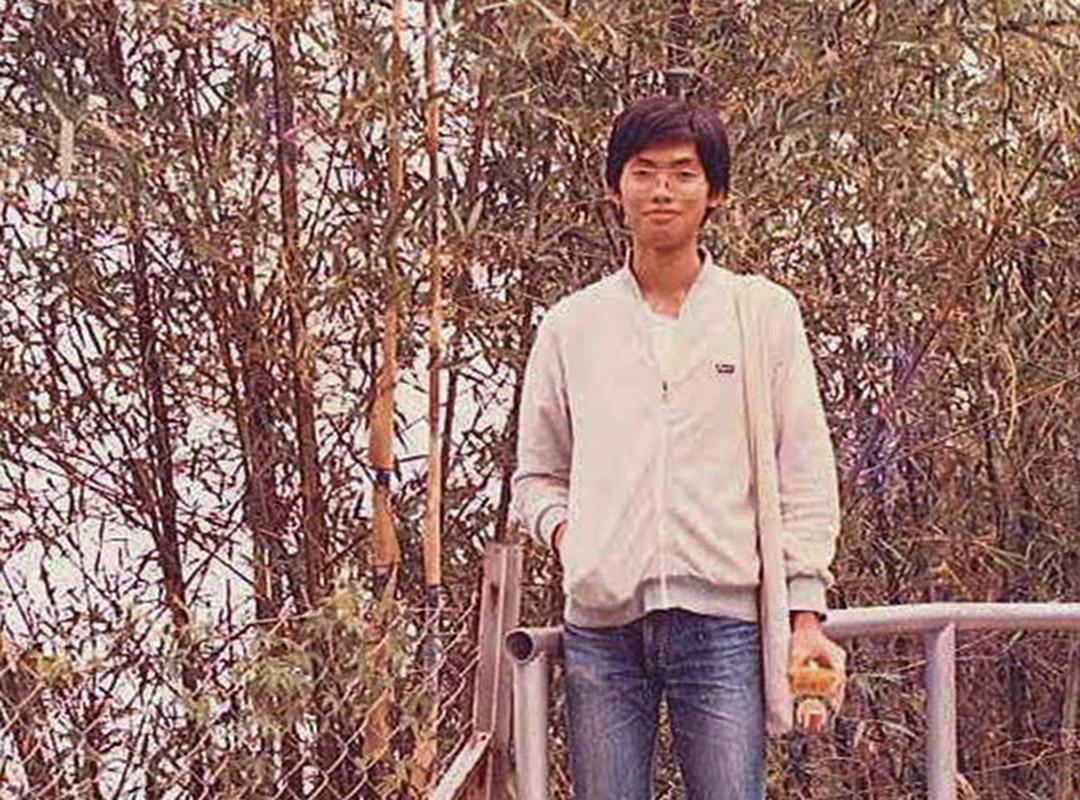 邢福增教授大學時的照片。