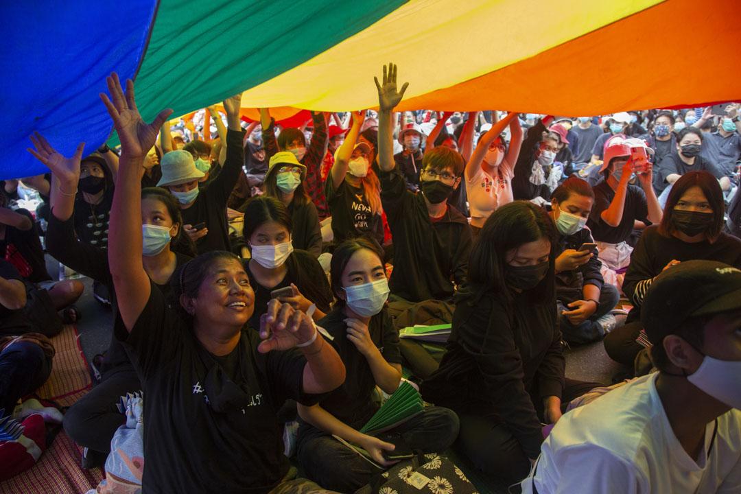 2020年8月16日,泰國曼谷舉行的民主集會,有LGBTQ維權人士參加。