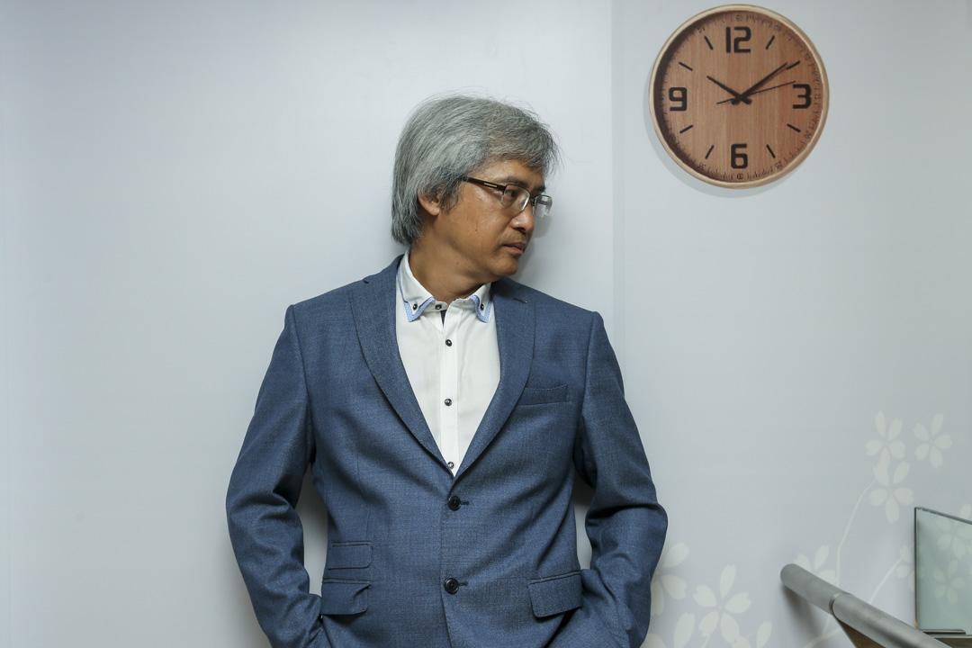 香港導演陳木勝前日因鼻咽癌不幸離世,終年58歲。圖為陳木勝於2016年接受媒體訪問。 攝:K. Y. Cheng/South China Morning Post via Getty Images