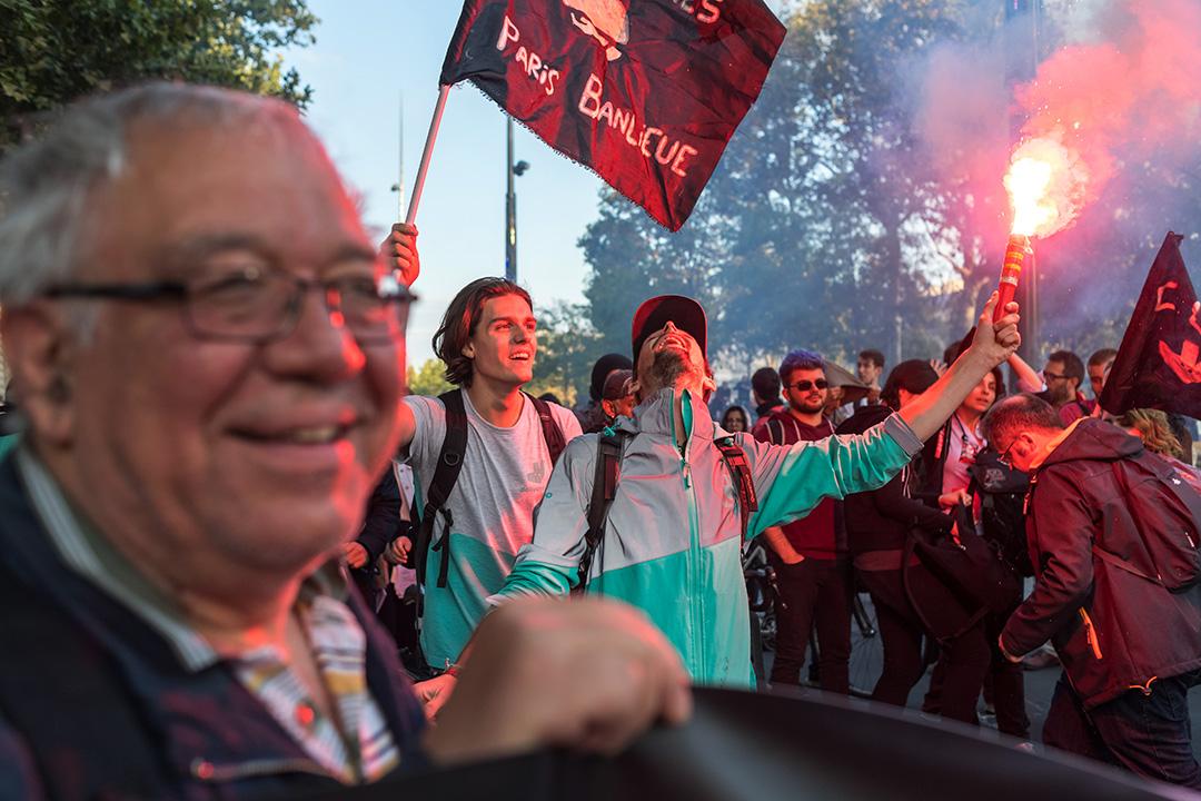 2017年8月11日法國巴黎的共和廣場,Deliveroo的外賣員在遊行示威。
