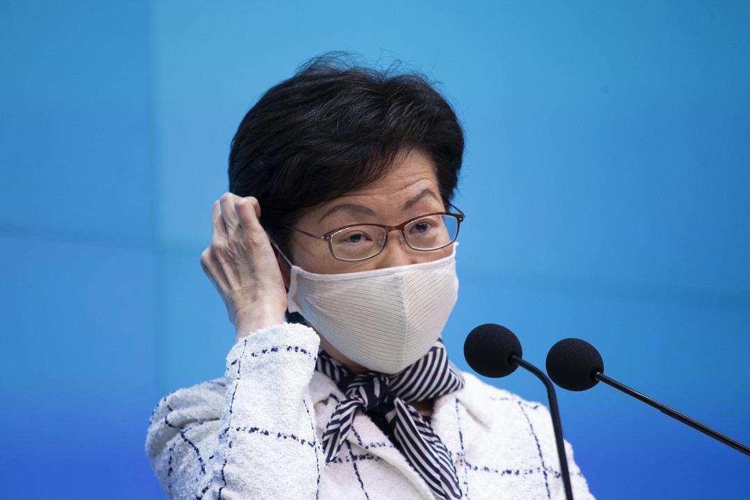 2020年9月1日,林鄭月娥出席行政會議前見記者稱,完全支持及認同楊潤雄說法,她稱香港沒有三權分立,形容三權關係是各司其職、互相配合及制衡。 圖:端傳媒
