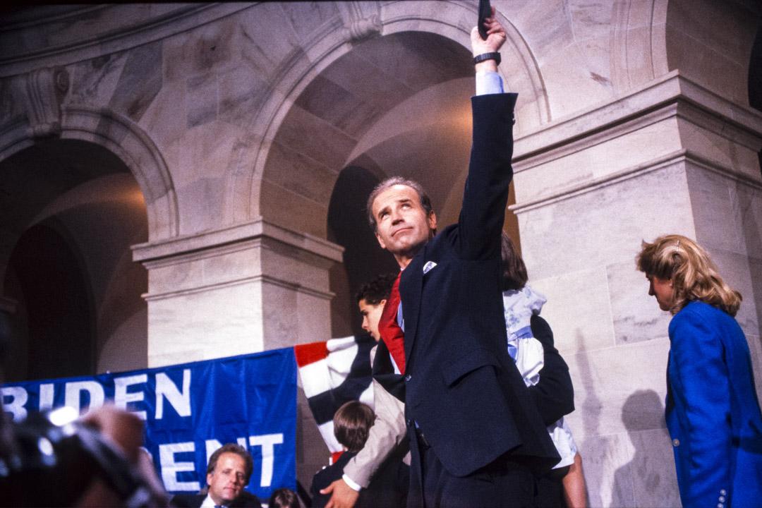 1987年6月9日,參議員拜登宣布競選1988年民主黨總統候選人。