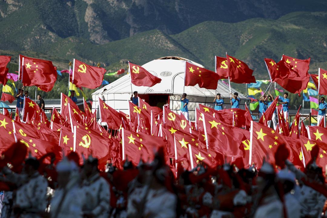 2017年8月6日呼和浩特市,人們參加彩排慶祝中國內蒙古自治區成立70週年。 圖:Stringer/Reuters/達志影像