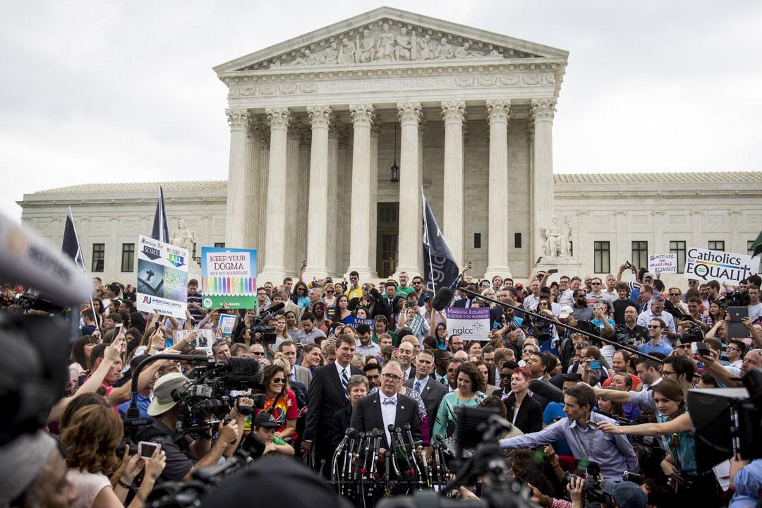 2015年6月26日,最高法院最後以五比四的判決認定州政府對於同性婚姻的禁令違憲,建立了同性婚姻平權的重要基礎。