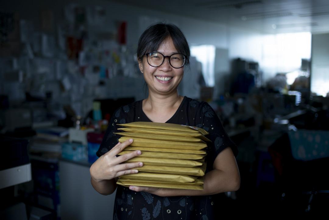 立法會議員朱凱廸的研究幹事蔡雪華是「解悶工廠」廠長。