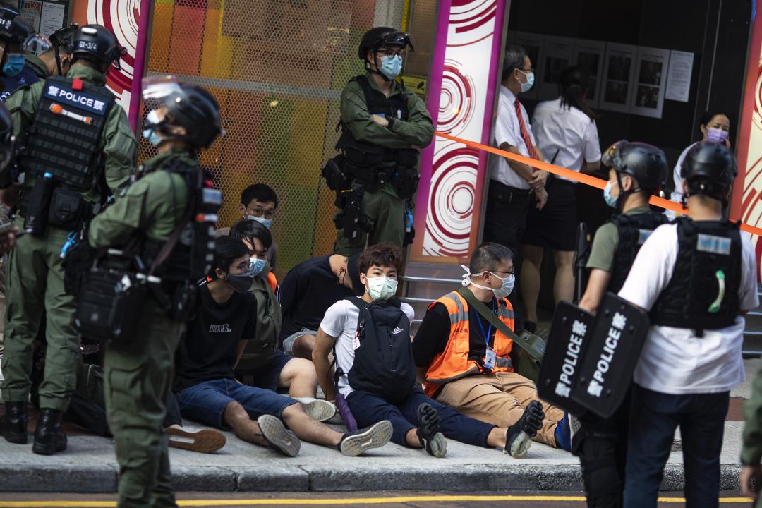 2020年9月6日,香港,警方在旺角拘捕多人。 攝:陳焯煇/端傳媒