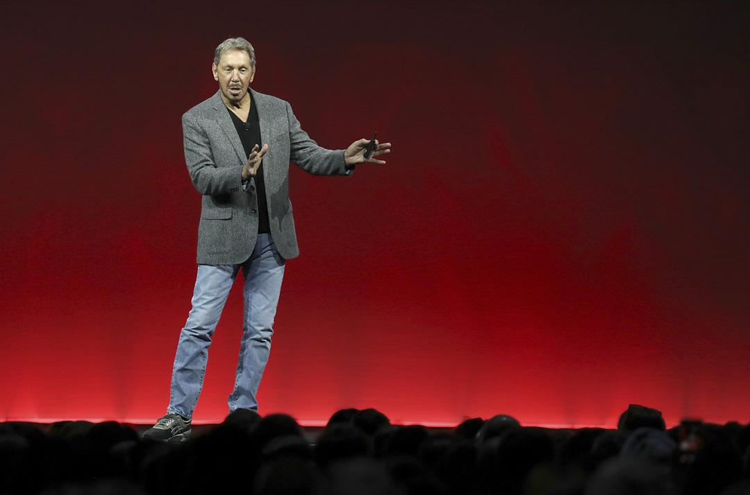2018年10月22日,加州舉行的Oracle OpenWorld大會上,Oracle聯合創始人兼董事長拉里·埃里森(Larry Ellison)發表主旨演講。