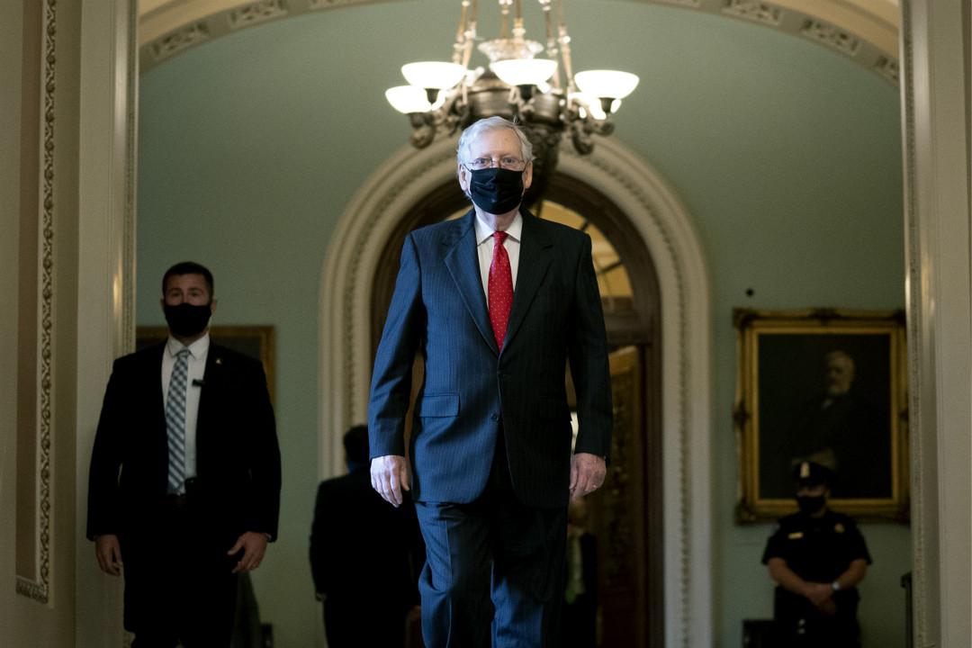 2020年9月24日,美國參議院多數黨領袖麥康奈爾(Mitch McConnell)表示會有序過渡總統權力。 攝:Stefani Reynolds/Getty Images