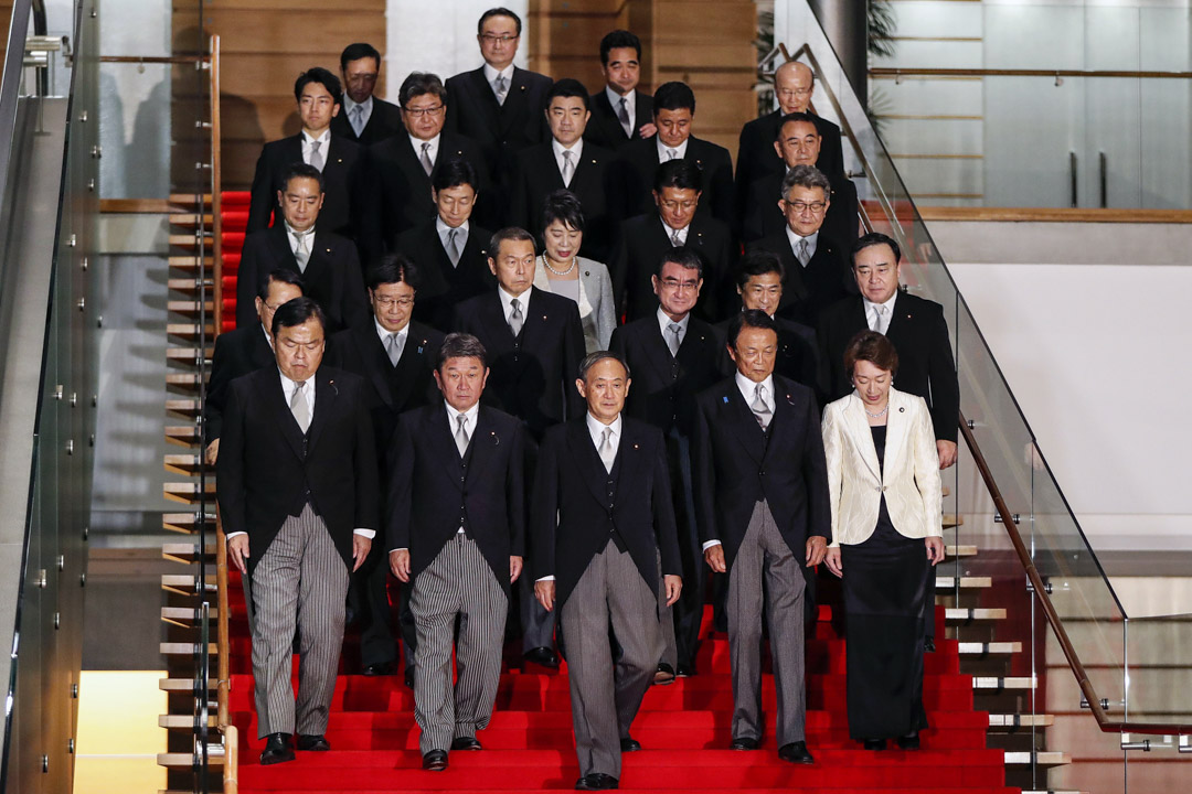 2020年9月16日東京,日本首相菅義偉帶領他的內閣在日本東京的首相官邸合照。