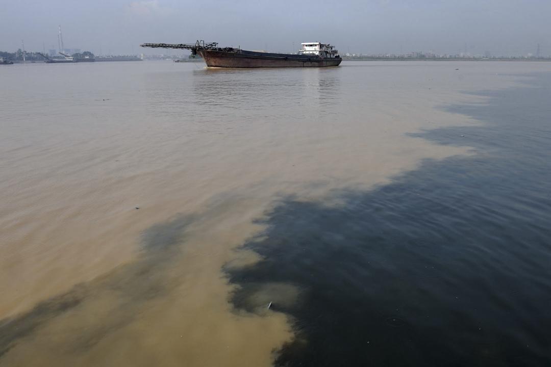 2008年8月2日廣州,被污染的東江水。