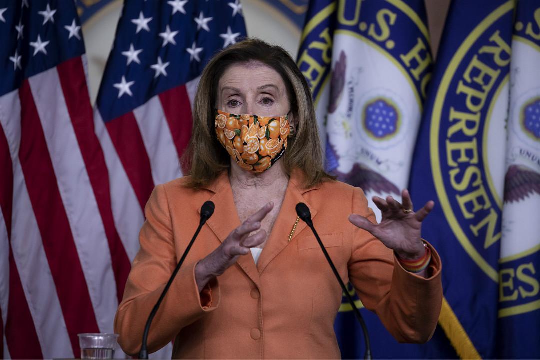 2020年10月8日,美國國會眾議長佩洛西(Nancy Pelosi)召開記者會。 攝:Tasos Katopodis/Getty Images
