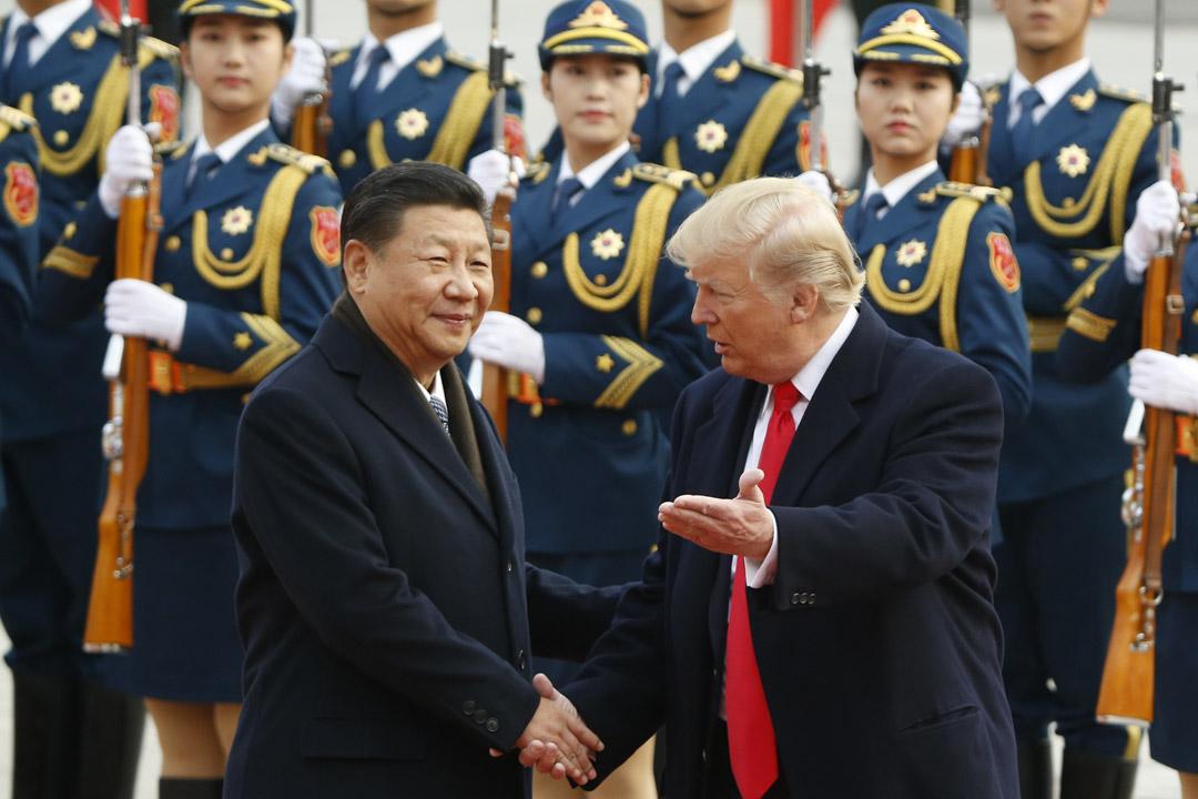 2017年11月9日,美國總統特朗普訪問中國,國家主席習近平在北京舉行歡迎儀式迎接特朗普。