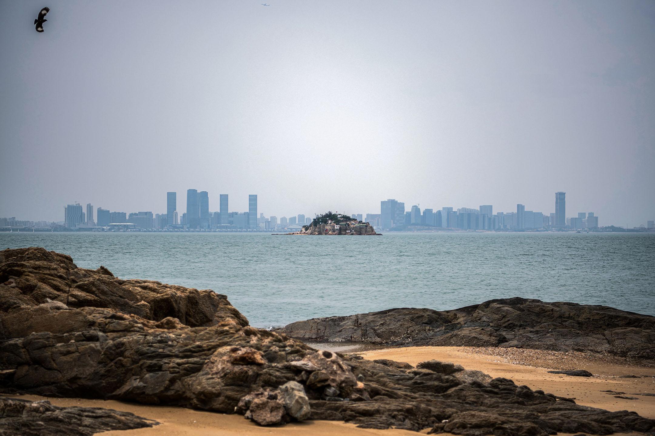 2018年4月20日台灣金門獅嶼,對岸是中國廈門市。 攝:Carl Court/Getty Images