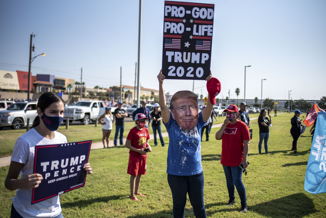 2020年10月10日,美國德克薩斯州拉雷多舉行「特朗普火車」集會。