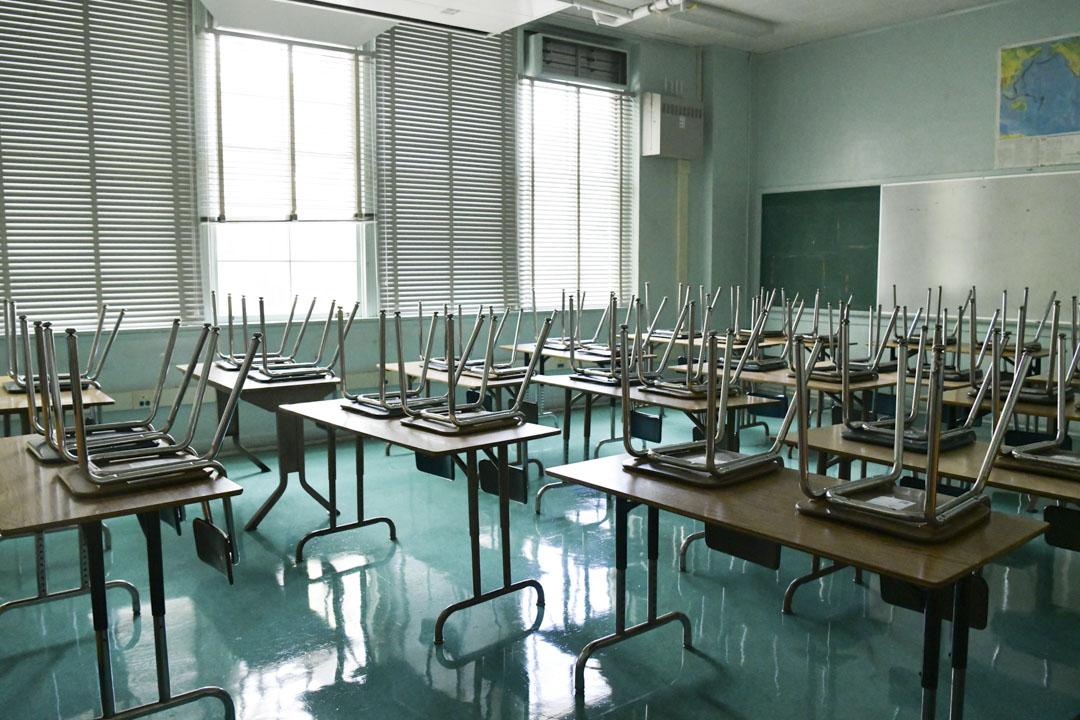2020年8月13日,加州一間高中的教室。