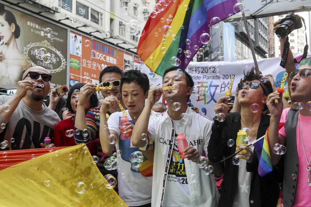 2012年11月10日,陳志全與黃耀明、何韻詩等參加同志大遊行。