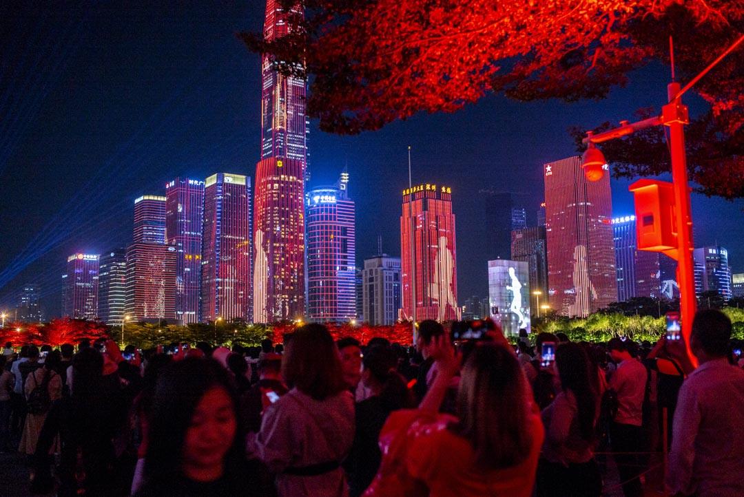 2018年10月21日, 慶祝深圳改革40週年的燈光秀。 攝:林振東/端傳媒