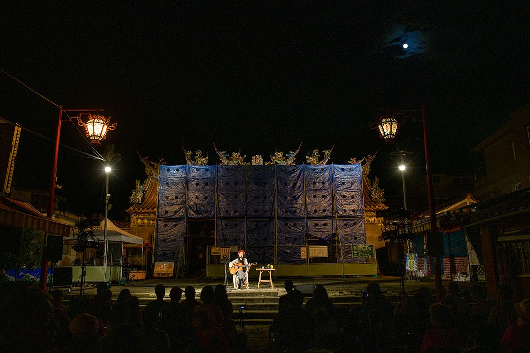 客家歌手米莎在新竹的一個活動中擔任表演歌手。