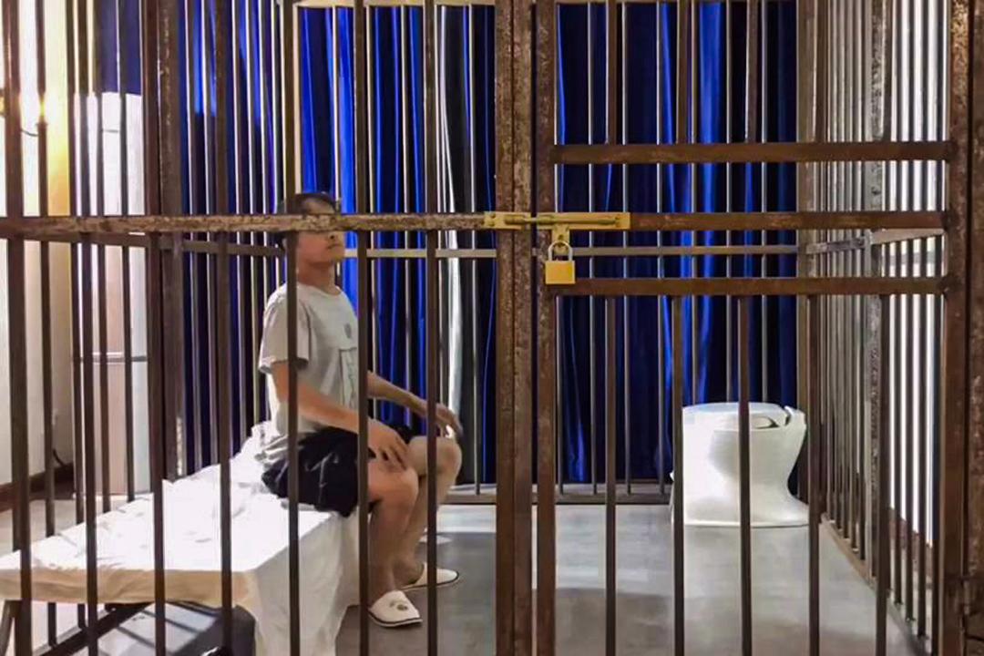 「飢餓藝術家」計劃的紀錄導演王勝華。