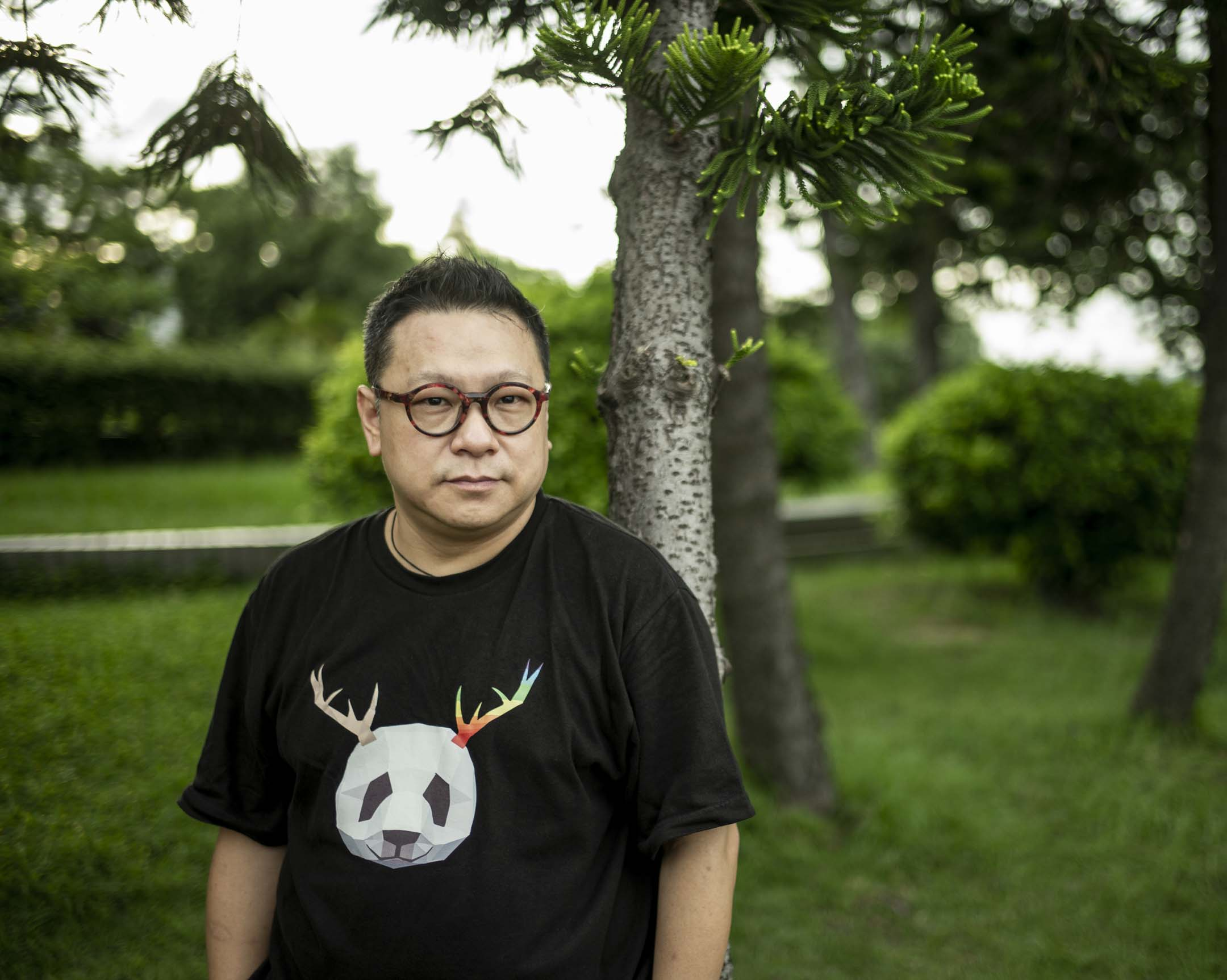 盧思騁,一直活躍在中國大陸環保領域,先後擔任過國際環境機構綠色和平和世界自然基金會於中國辦公室的管理者。 攝:林振東/端傳媒