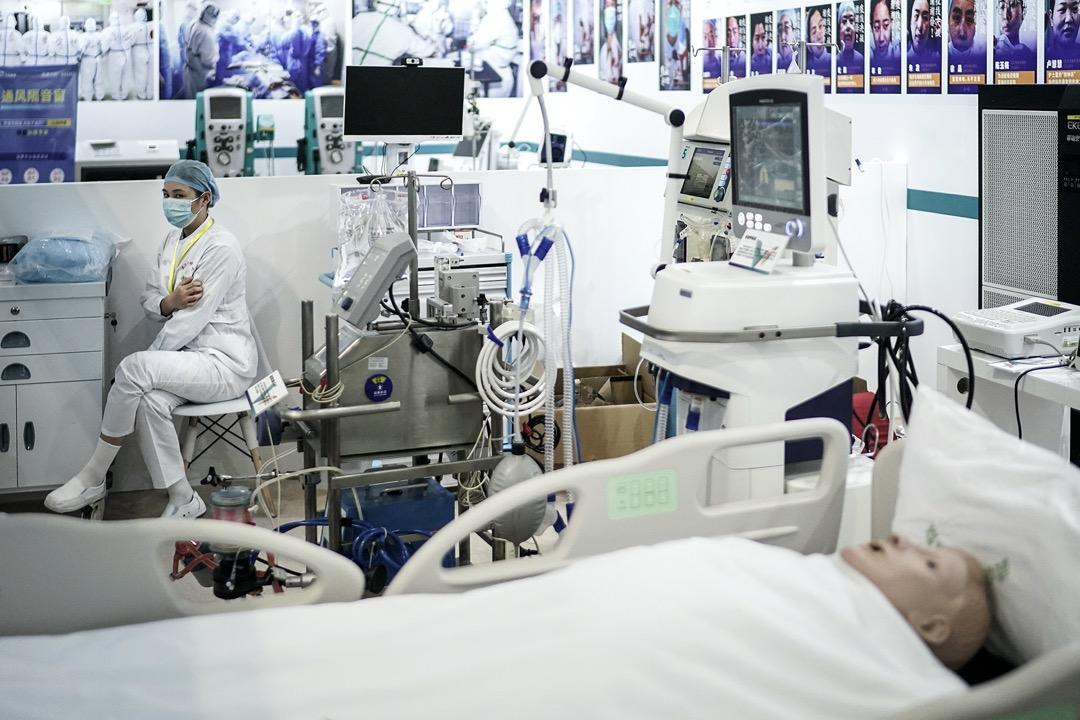2020年11月13日,第二屆世界大健康博覽會在武漢舉行,其中一個攤位展示用作拯救2019冠狀病毒患者的儀器。